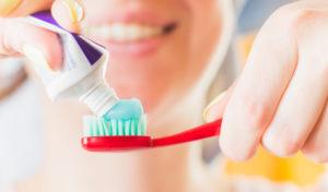 efectos beneficiosos del flúor en los dientes